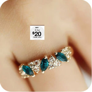 Jewelry - Emerald Green & Crystal Ring Gold Or Silver